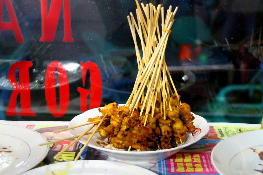 Diantara berbagai hidangan Seafood, Sate Gurita menjadi ciri khas Sabang