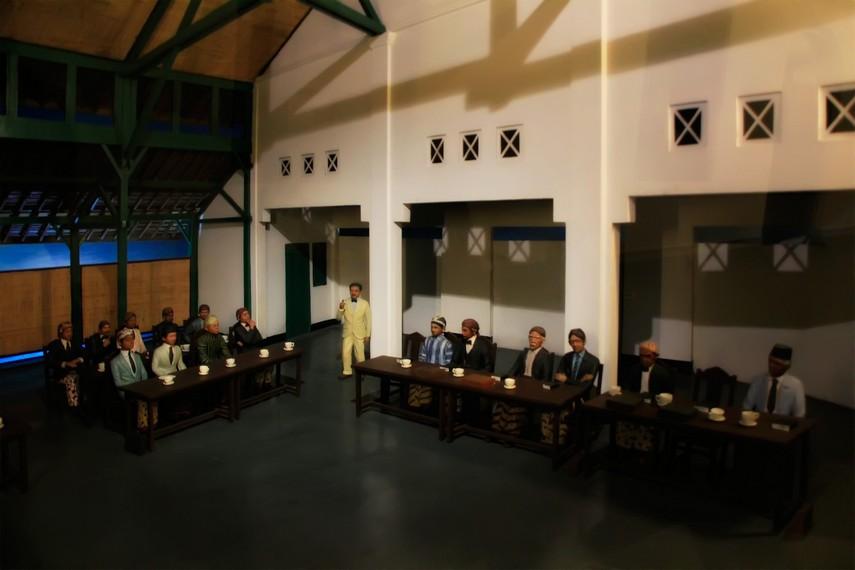 Diorama perundingan sumpah pemuda yang terdapat disalah satu ruang Museum Vredeburg