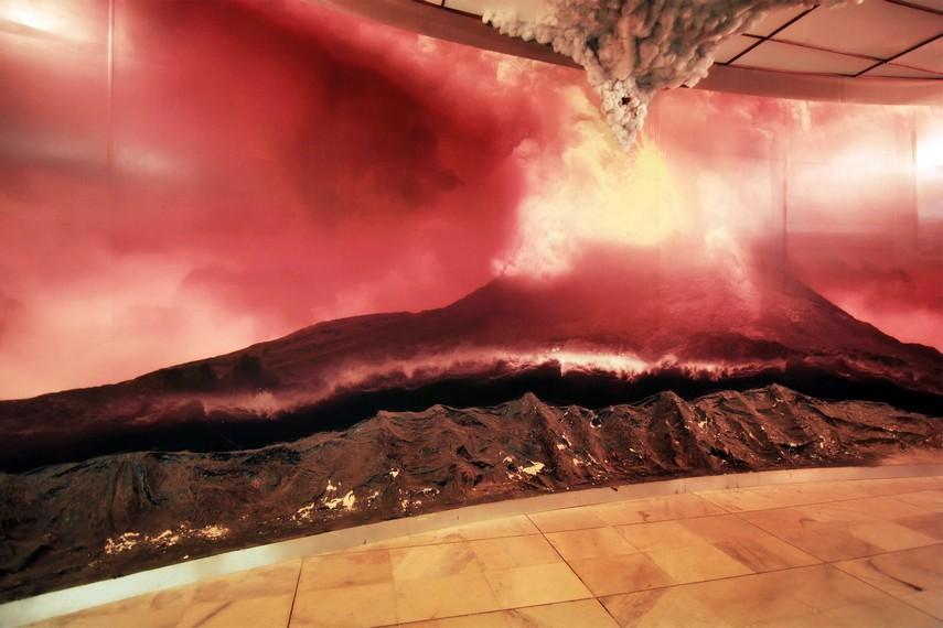 Diorama yang menggambarkan kedahsyatan letusan Gunung Krakatau tahun 1883