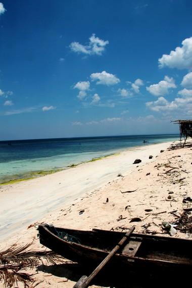 Eksotisme Pantai Lemo-Lemo yang berada di kawasan Bulukumba, Makassar
