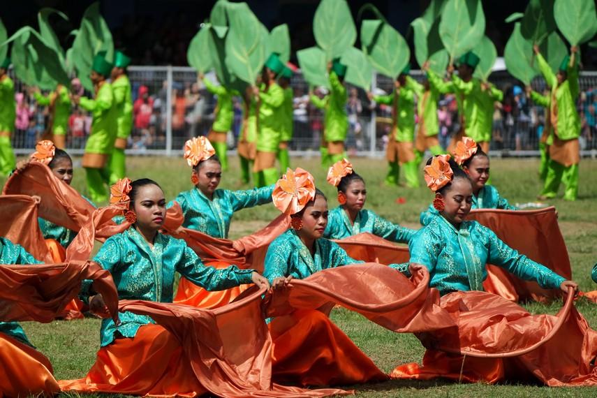 Festival Erau sendiri biasanya dilakukan selama dua pekan lamanya