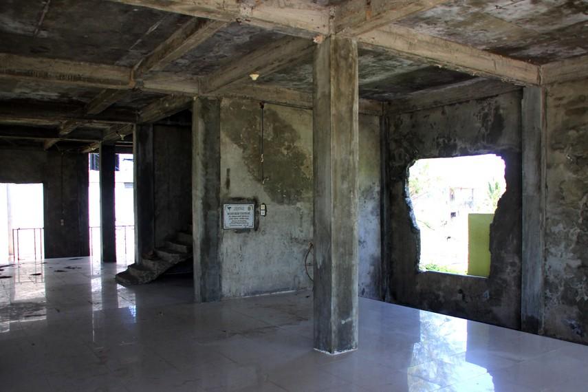 Gedung Bangsal RSUD Meuraxa yang juga hancur saat Tsunami, tetap dipertahankan seperti kondisi aslinya