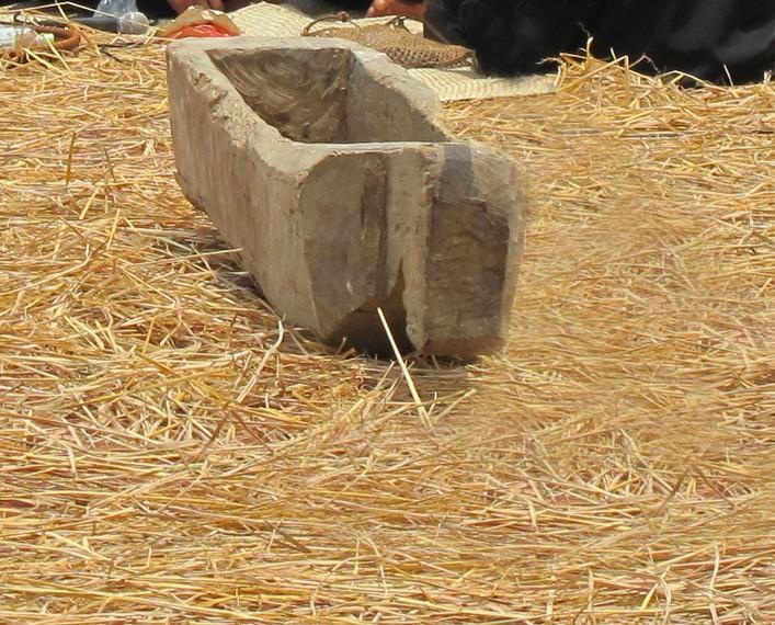 Gejlok lesung wadah untuk petani memisahkan bulir padi dari kulitnya