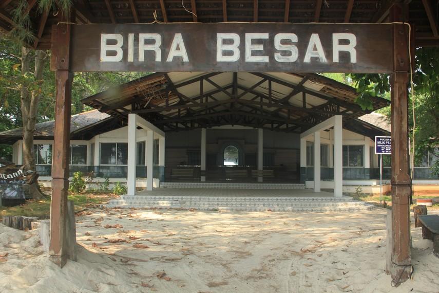 Gerbang masuk menuju Pulau Bira Besar
