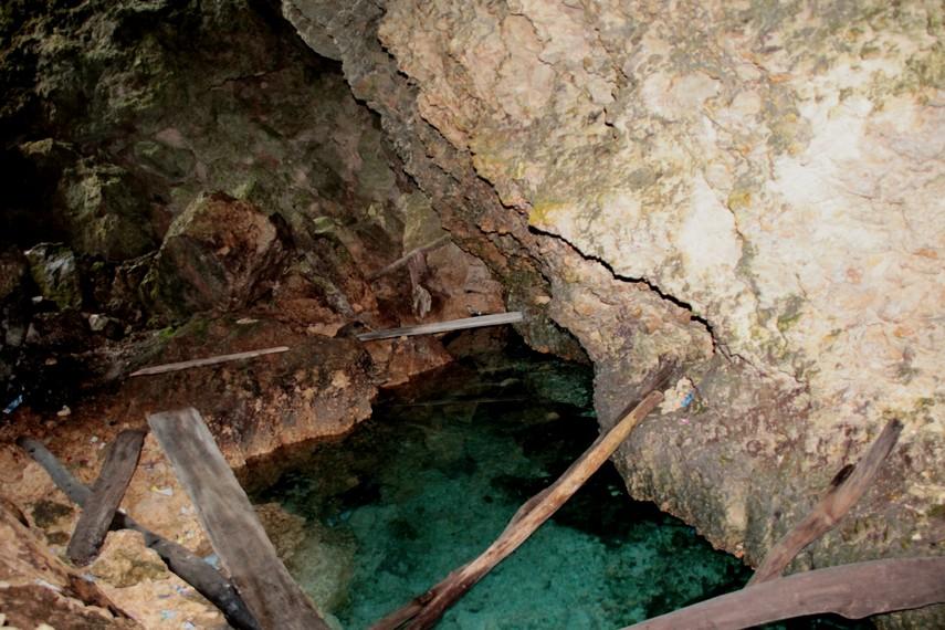 Gua Lemo-Lemo yang terletak di dekat pantai belum banyak terjamah wisatawan