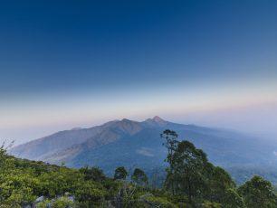 Bukti Kekuatan Letusan dari Gunung Egon di Nusa Tenggara