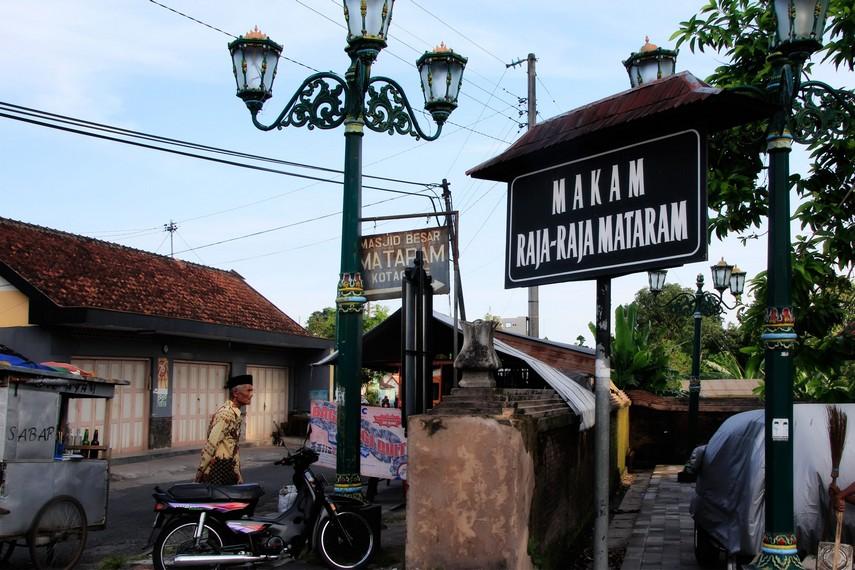 Halaman depan Makam Raja Mataram yang terletak di Imogiri, Bantul Yogyakarta
