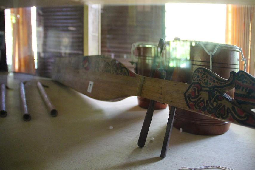 Instrumen musik khas suku Dayak ini menjadi salah satu koleksi yang dimiliki museum kayu Tuah Himba
