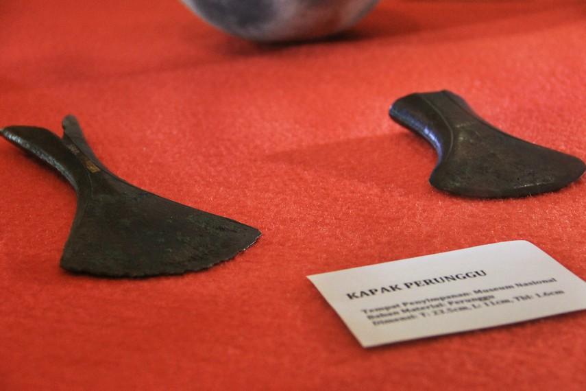 Kapak Perunggu merupakan benda peninggalan prasejarah yang sudah maju di zamannya