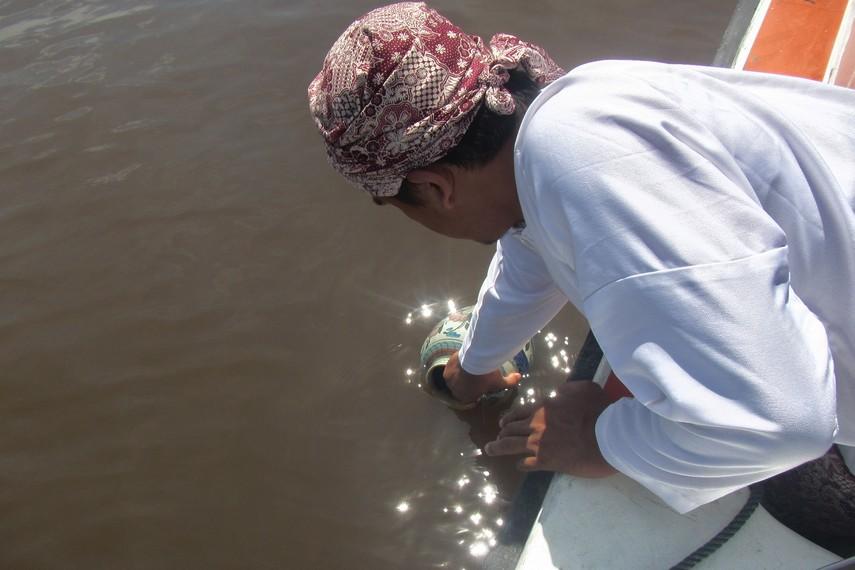 Pengambilan air dari Kutai Lama mengandung pesan filosofis untuk selalu mengingat asal muasal leluhur