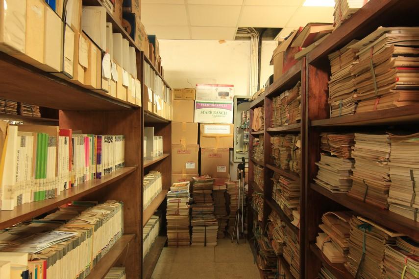 PDS HB Jassin mengoleksi puluhan ribu buku kesusastraan, baik fiksi maupun non-fiksi