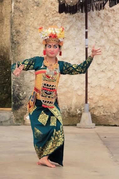 Tari legong keraton menjadi salah satu tari tradisional yang dapat bertahan selama hampir 200 tahun