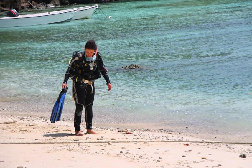 Pantai Iboih menjadi tujuan pelancong asing untuk menyelam menikmati keindahan bawah lautnya