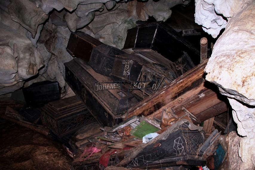 Inilah salah satu peti jenazah yang sudah berusia tua