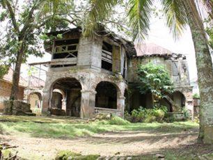 Rumah Batu Olakemang