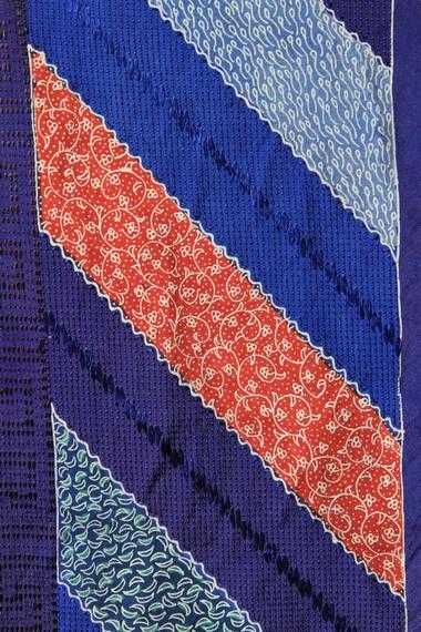 Batik Pekalongan memiliki keunggulan pada penggunaan warna