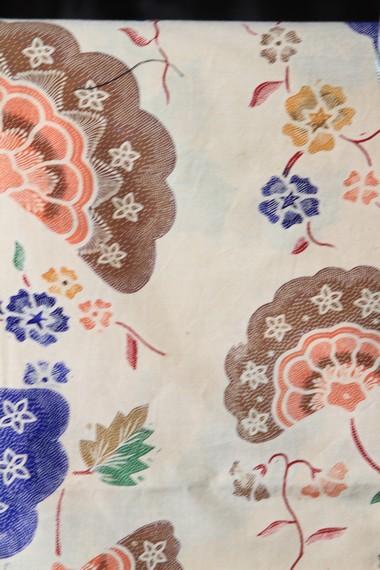 Motif batik Pekalongan memiliki kemiripan dengan batik Yogyakarta