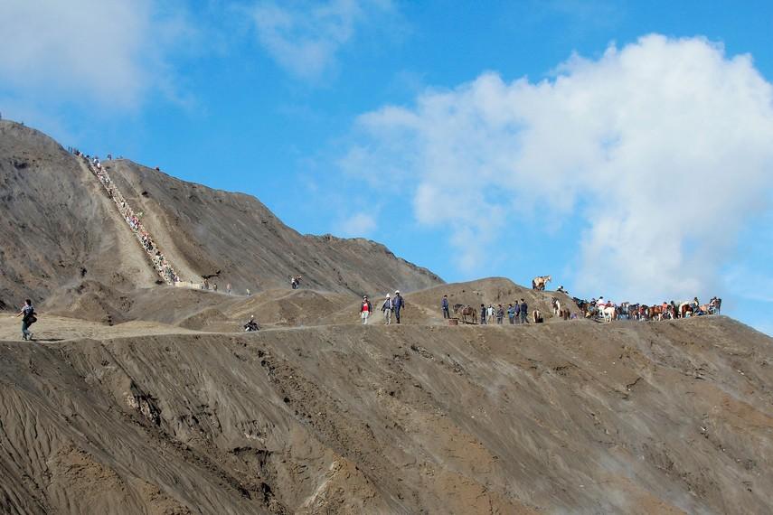 Kawah pasir yang terbentang di sepanjang kawasan Gunung Bromo