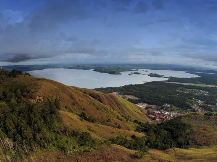 Keindahan Danau Sentani di pinggiran kota Sentani yang begitu rupawan