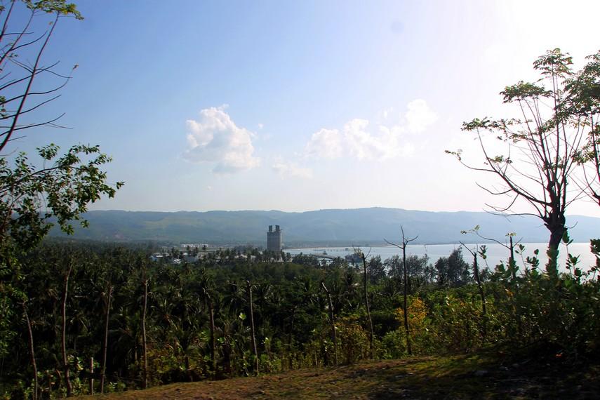 Keindahan Teluk Krueng Raya dari atas Bukit Soeharto