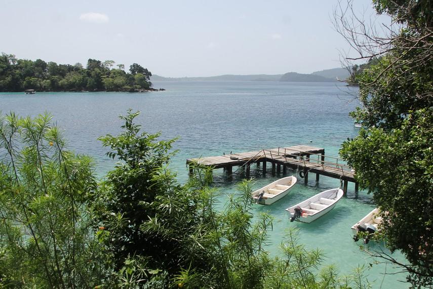 Keindahan Pantai Iboih dan Pulau Rubiah dari atas bukit