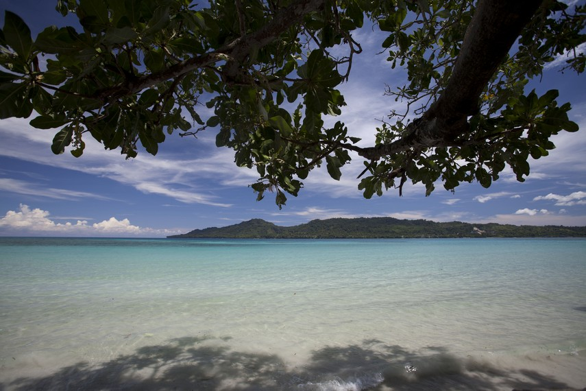 Kejernihan air laut di Pantai Natsepa