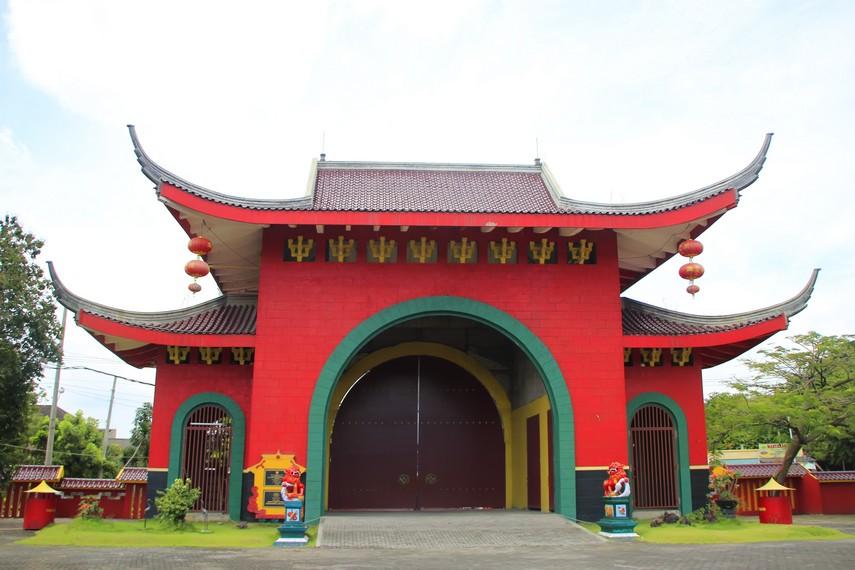 Klenteng Sam Poo Kong menjadi salah satu daya tarik wisatawan yang berkunjung ke Semarang
