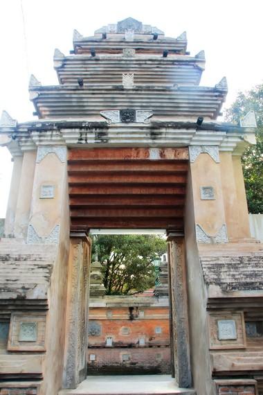 Kompleks pemakaman ini dibangun Sultan Agung pada sekitar tahun 1632