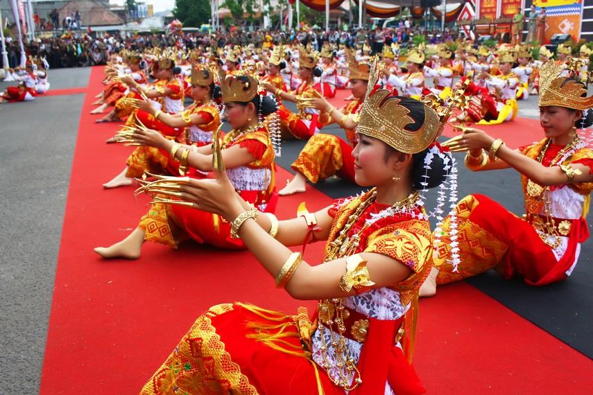 Koreografi sigeh pengunten merepresentasikan budaya Lampung yang beragam