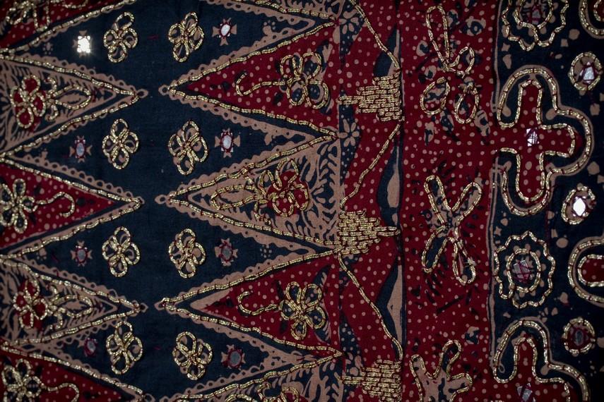 Ragam corak Kain Tapis yang menyerupai bunga