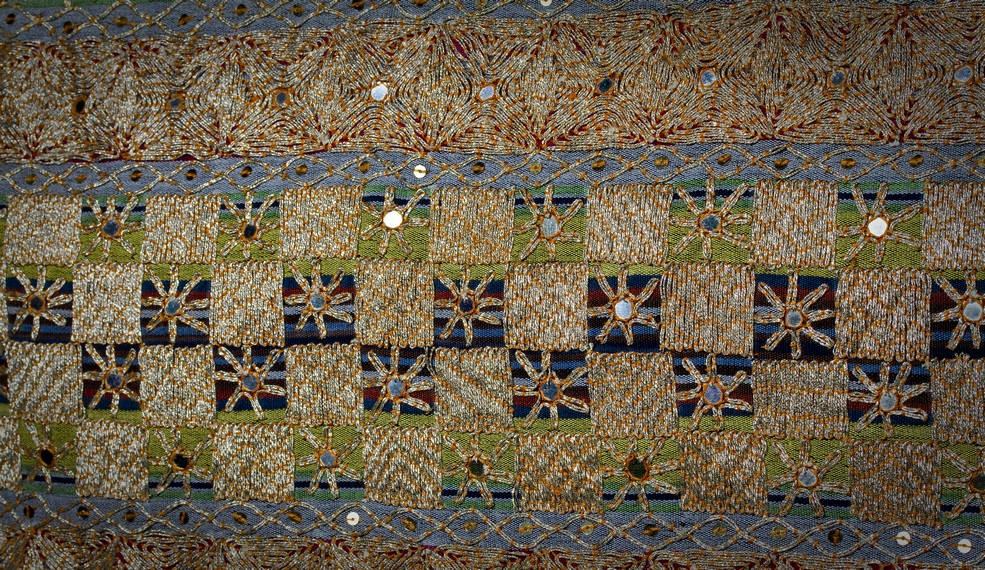 Harga satu lembar kain tapis bisa mencapai jutaan rupiah tergantung ragam dan coraknya