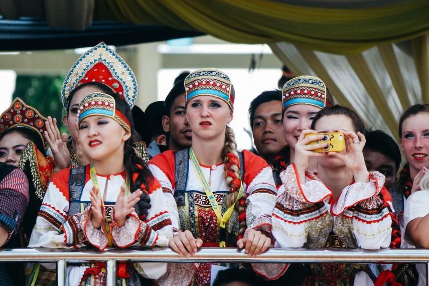 Lebih dari 10 negara yang ikut memeriahkan Festival Erau