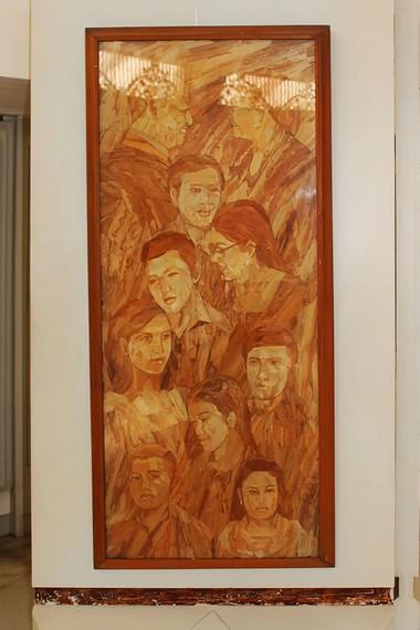 Lukisan keluarga Soeharto-Tien bersama anak-anak mereka