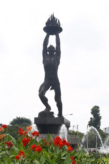 Patung Pemuda Membangun di Kawasan Bunderan Senayan