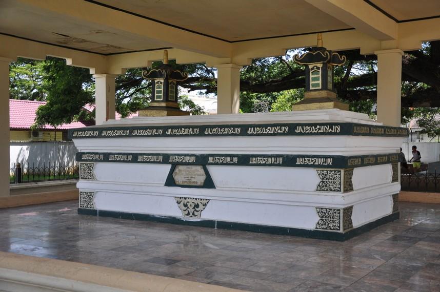 Makam Sultan Iskandar Muda yang sempat hilang akibat penghancuran oleh Hindia Belanda