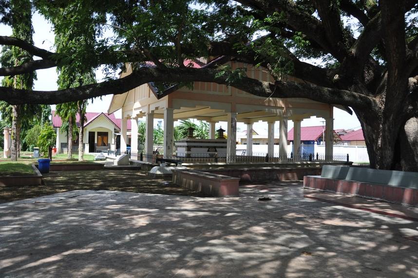 Makam ini ditemukan kembali atas informasi dari Pocut Meurah, istri Sultan Mahmud Syah