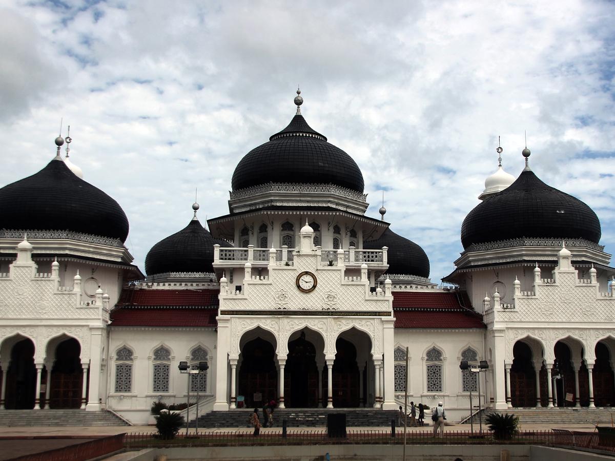 Masjid_Raya_Baiturrahman_1200.jpg