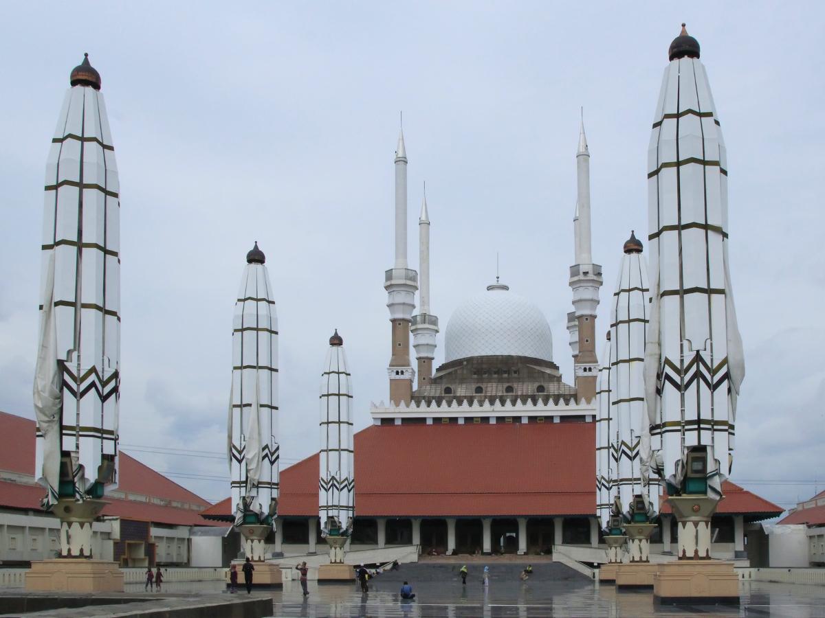 Masjid_agung_jawa_tengah_1200.jpg