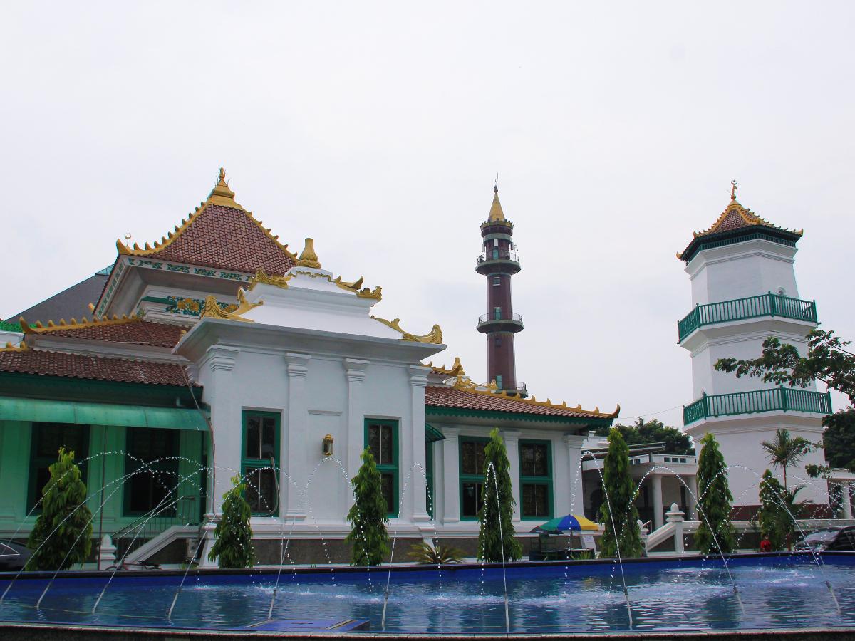 Masjid_agung_palembang_1200.jpg