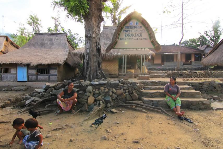 Masyarakat Dusun Ende masih menjalankan kehidupan tradisional