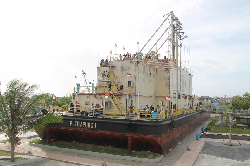 Melihat bentuk fisiknya, sepertinya tidak ada yang menyangka kapal sepanjang 63 meter ini dapat terhempas begitu jauh