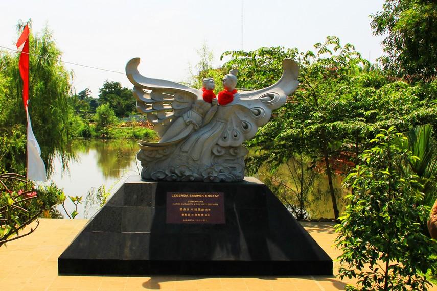 Monumen Sampek Engtay yang menjadi legenda kisah cinta abadi dari Tiongkok