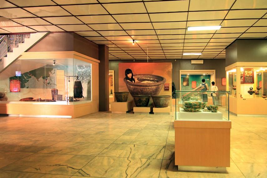 Museum Negeri Lampung diresmikan oleh Menteri Pendidikan dan Kebudayaan, Prof. Dr. Fuad Hasan pada tanggal 24 September 1988