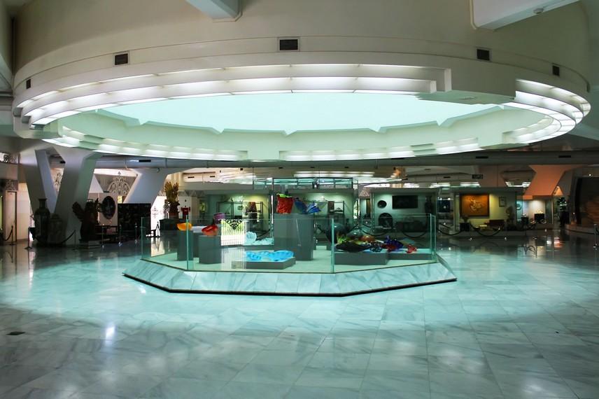 Museum Purna Bhakti Pertiwi didirikan atas prakarsa Ibu Tien Soeharto dan diresmikan tanggal 23 Agustus 1993