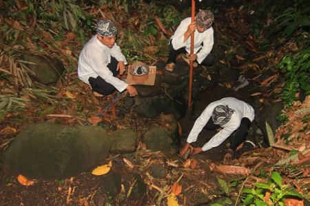 Ngala Cai Kukulu merupakan salah satu ritual dalam rangkaian tradisi Seren Taun