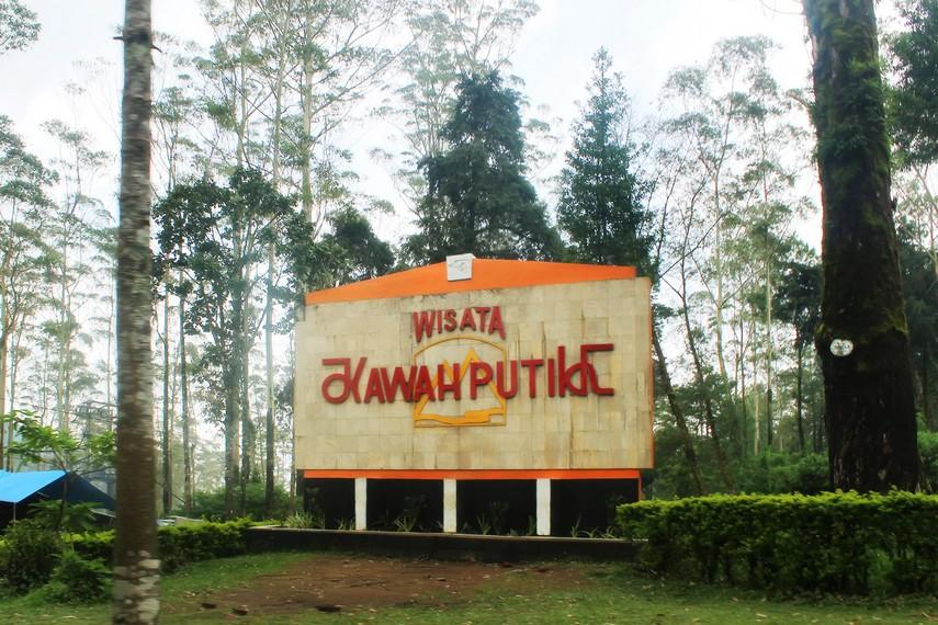 Objek wisata Kawah Putih Sejak tahun 1987 dikelola dengan serius oleh Perhutani