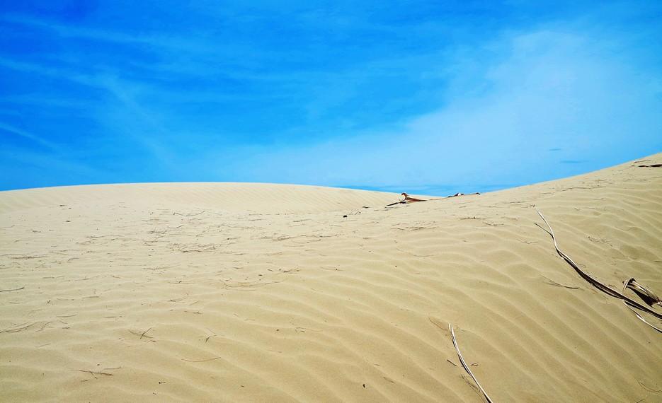 Oetune memiliki hamparan padang pasir yang halus, bersih dan cukup luas