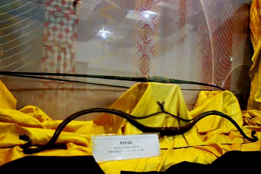 Panah, salah satu benda pusaka yang terdapat di Museum Senjata Tradisional