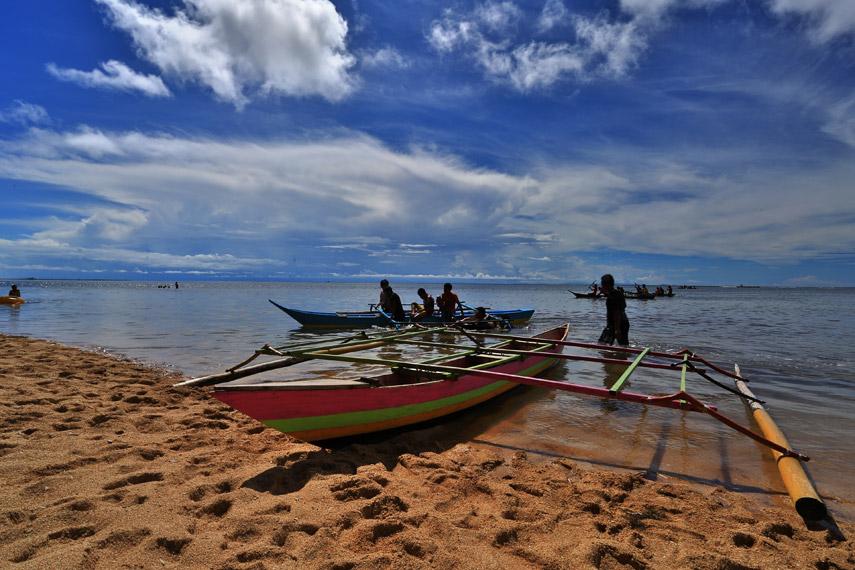 Salah satu kapal nelayan yang disewakan untuk wisata