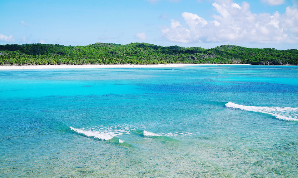 Pantai yang menjadi surga bagi peselancar ini telah sering digunakan untuk kompetisi-kompetisi internasional